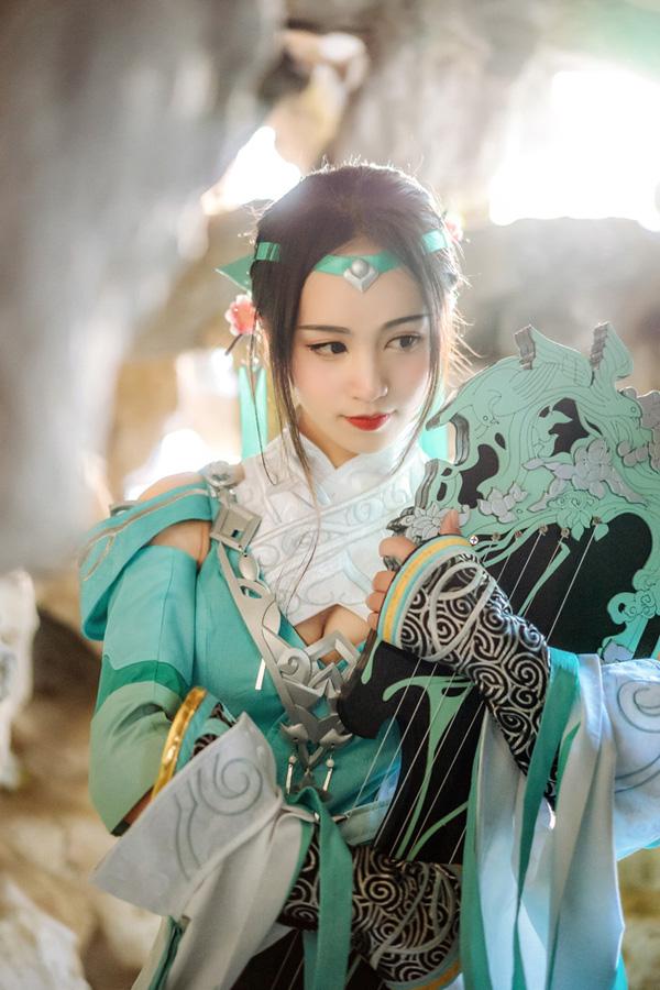 《剑侠情缘网络版叁》Cosplay雪河琴娘 长歌门!