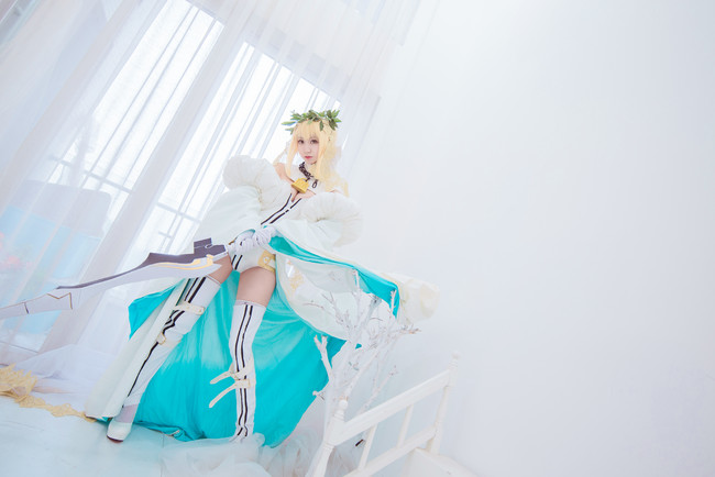 《Fate/Grand Order》Cosplay尼禄花嫁 性感无敌!